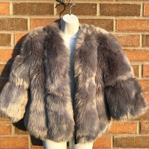 🌟Host Pick: (NWT) Faux Fur Cropped Sleeve Jacket